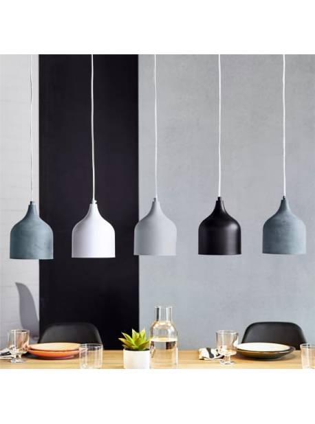 lampa cu cinci abajururi metalice, alb, gri, negru